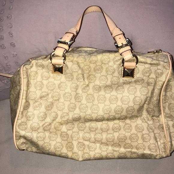 ac7a68c6cad7aa KORS Michael Kors Bags | Michael Kors Speedy Handbag | Poshmark